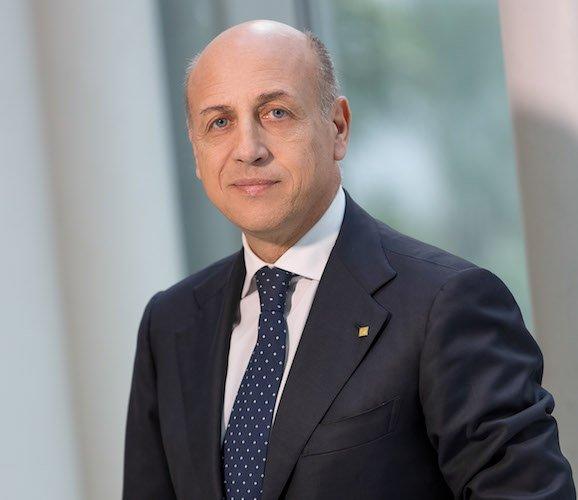 Azimut rafforza l'area assicurativa con Armando Escalona