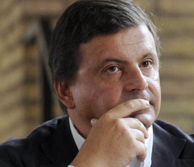 Andrea Guerra e Carlo Calenda a lavoro per studiare la privatizzazione di Sace