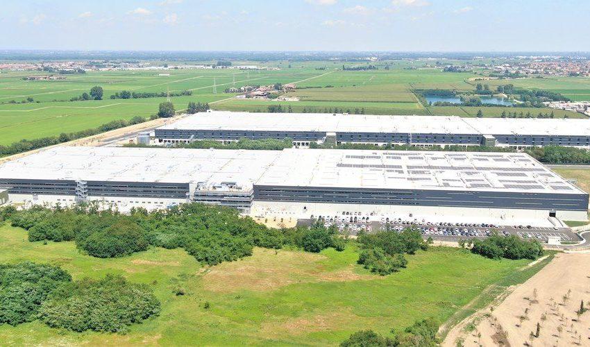 Dws compra un centro logistico da Logistics Capital Partners