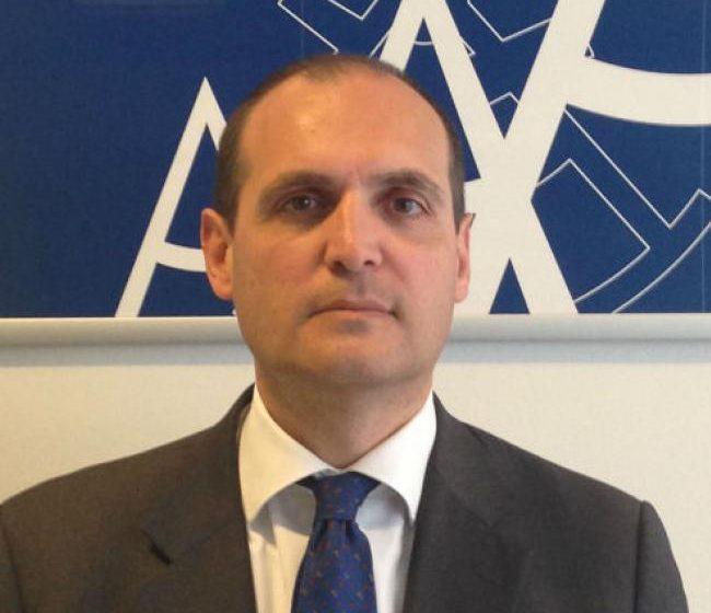 Azimut WM prende tre banker da Euromobiliare