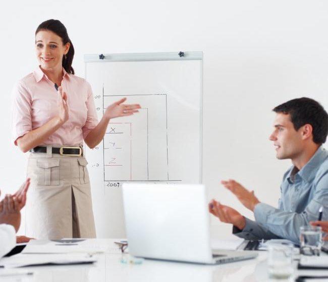 I 10 mestieri più cercati dalle aziende: ci sono anche gli analisti finanziari