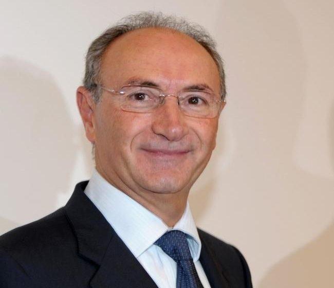 Unicredt firma l'accordo per vendere l'ucraina Ukrsotsbank ad Alfa Group