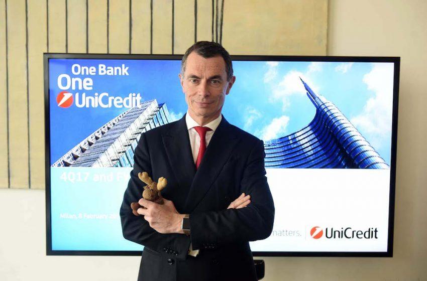 Unicredit riorganizza il management, esce Papa