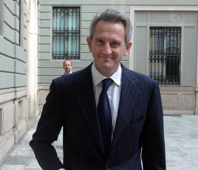 Mediobanca firma la ricapitalizzazione della greca Eurobank