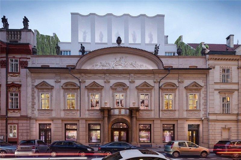 Generali acquista il Palac Spork, 10.000 metri quadri nel centro di Praga