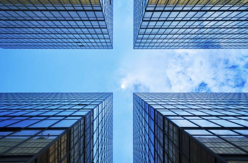 JLL: l'andamento dei settori immobiliari di logistica, office e retail nel 2021